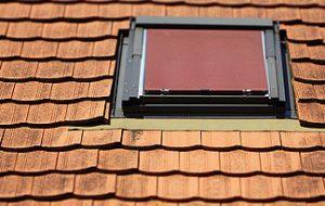 hitzeschutz im dachgeschoss d mmungen und fenster helfen energieheld blog. Black Bedroom Furniture Sets. Home Design Ideas