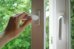 Die Smart Home App erkennt offene Fenster und schaltet die enteprechenden Heizkörper ab