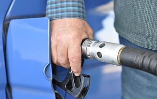 Niedriger Ölpreis an der Tankstelle